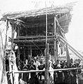 COLLECTIE TROPENMUSEUM Dodenfeest in kampong Tenong Lipu Celebes TMnr 10003201.jpg