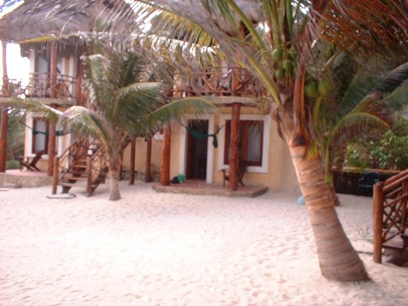 File cabanas on the beach tulum mexico caba as en la for Cabanas en mexico