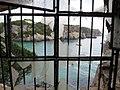 Cala Macarelleta cave house (30132323985).jpg