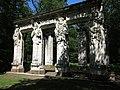 Caryatides du jardin de Chenonceaux.JPG