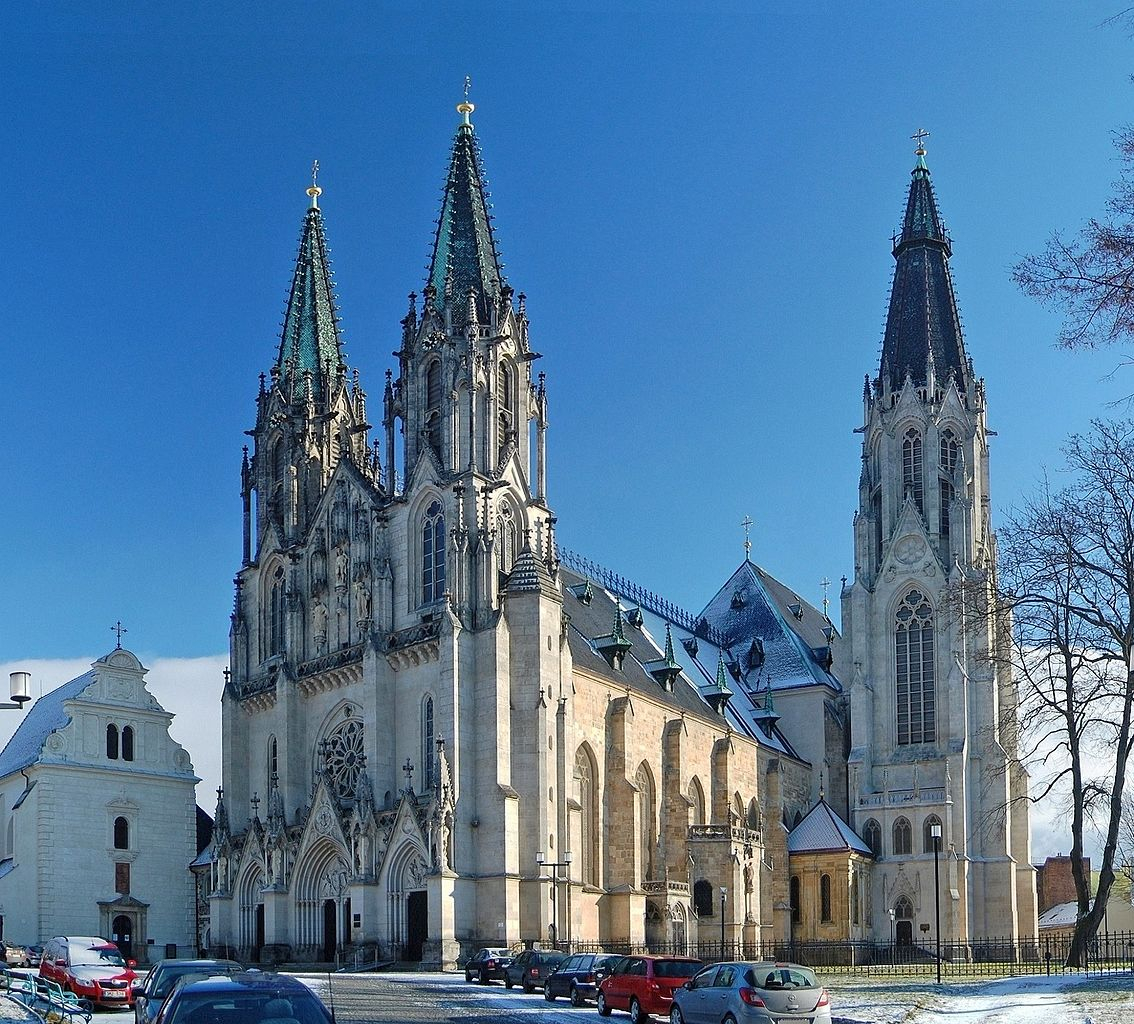 Katedral Saint Wenceslas di Olomouc.