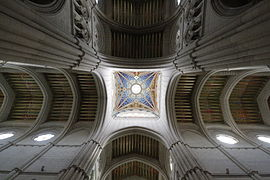 Ceiling and dome of Catedral de la Almudena - Madrid.JPG