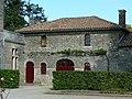 Château de Reigné vers les communs.JPG