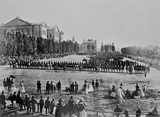 Fenian raids - Crowds celebrate the return of militiamen in Montreal, 1866.