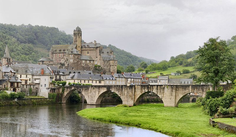 File:Chateau de Estaing.jpg