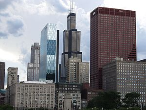 Chicago Loop Skyline from Grant Park, Chicago, Illinois (9179527395).jpg