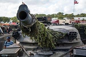 Chieftain (tank) - Detail of the 120 mm L11A5 rifled gun