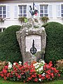 Clairefontaine-en-Yvelines Monument aux morts.JPG