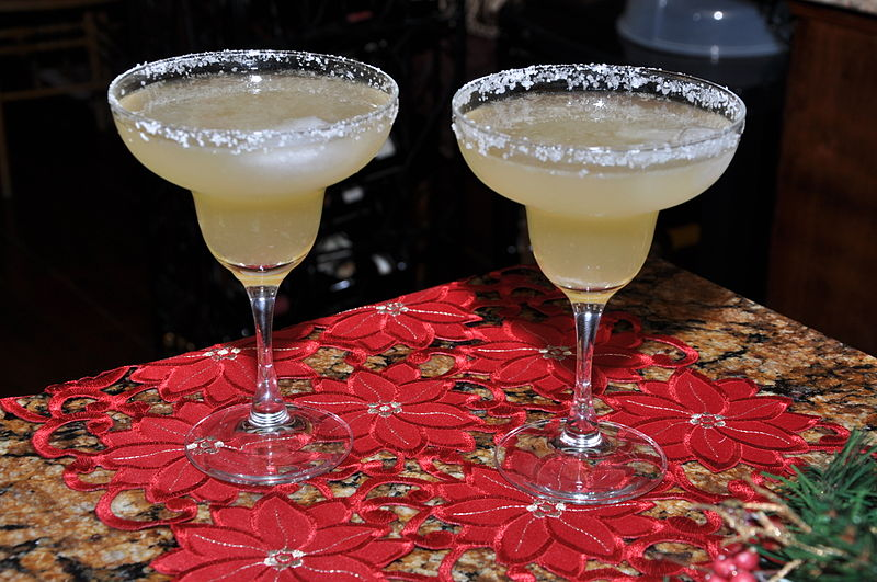 File:Classic margarita with Cointreau, good tequila and fresh lime juice.jpg