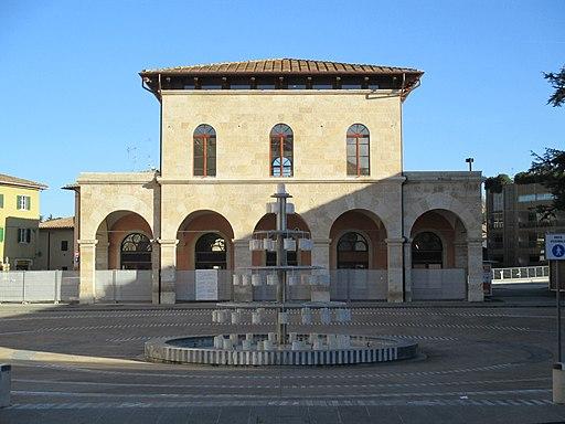 Colle Val d'Elsa, Piazza Arnolfo di Cambio, Ex Stazione Ferroviaria-