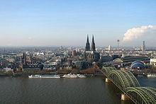 220px-Cologne_panorama dans Perversité