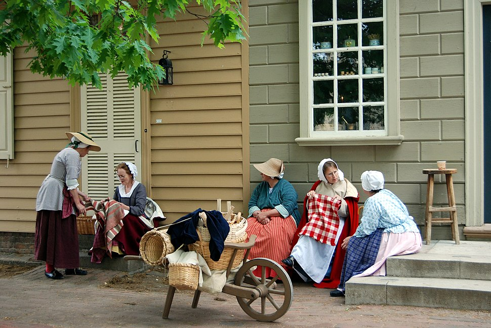 Colonial Williamsburg ladies