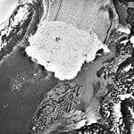 Columbia Glacier, Calving Terminus, Heather Lake, June 4, 1988 (GLACIERS 1424).jpg