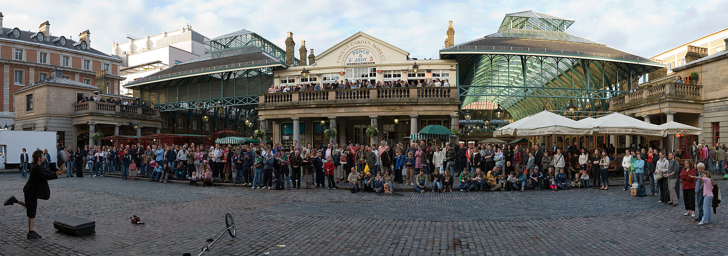 Covent Garden Panorama May 2006.jpg