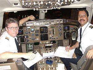 ATA Airlines - Flight crew of the last ATA Airlines revenue flight, AMT4586, after completing a segment from Honolulu to Phoenix. Captain Mark Groover and First Officer Philip Collier