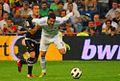 Cristiano Ronaldo forcejeo (5014444564).jpg
