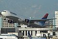 Delta 767-300 N1402A (4235177249).jpg