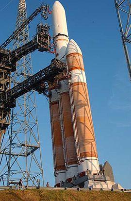 El Delta IV en la plataforma de lanzamiento.