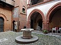 Dentro il Borgo.jpg