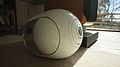 Devialet Phantom side view (2015-04-16 14.50.41 by c-g.).jpg