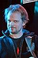 Die!!! Weihnachtsfeier 2013, 414 Der Bassist Christian Decker, hier auf der Bühne mit anderen Bandmitgliedern von Fury in the Slaughterhouse sowie mit Kuersche.jpg