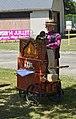 Draaiorgel bij de vide-grenier in Tigy A1624.jpg