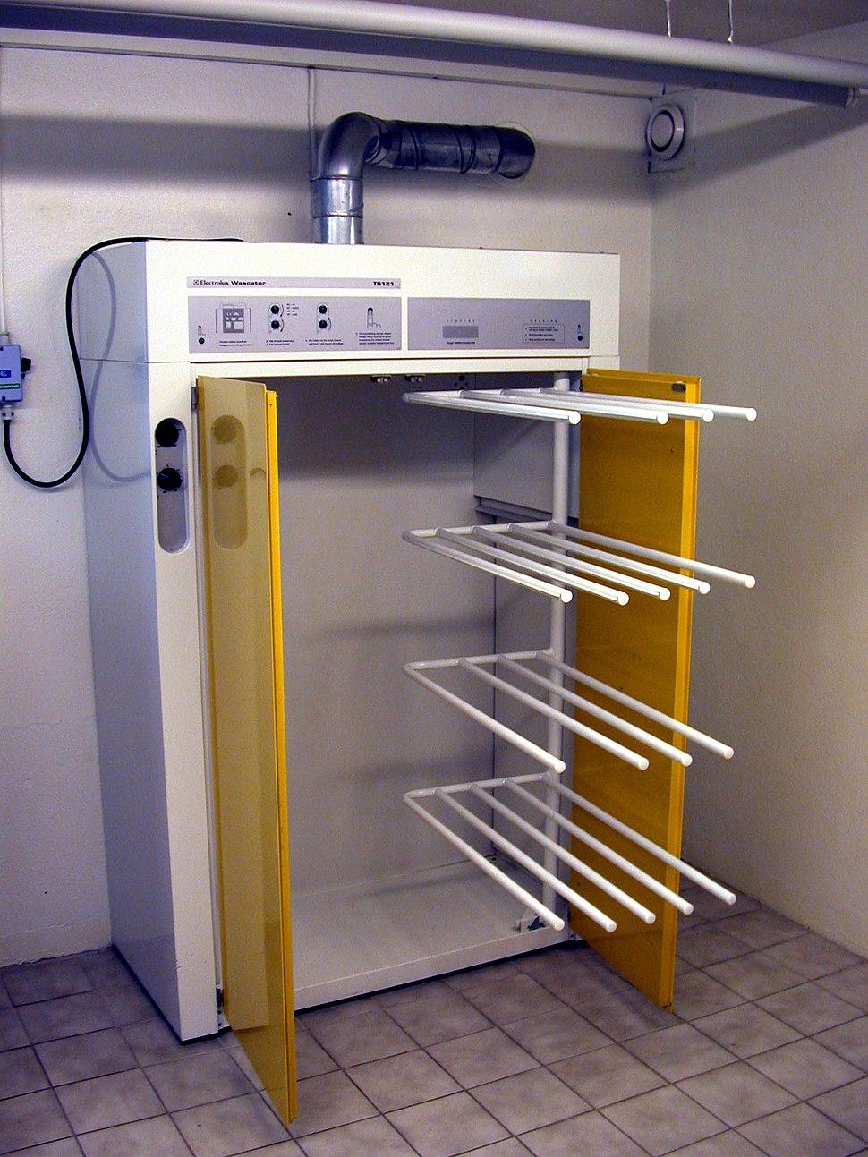 Drying cupboard 002