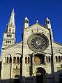 Duomo di Modena e Ghirlandina.jpg