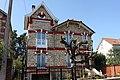 Eaubonne , les belles meulières du quartier Paul Bert - panoramio (2).jpg