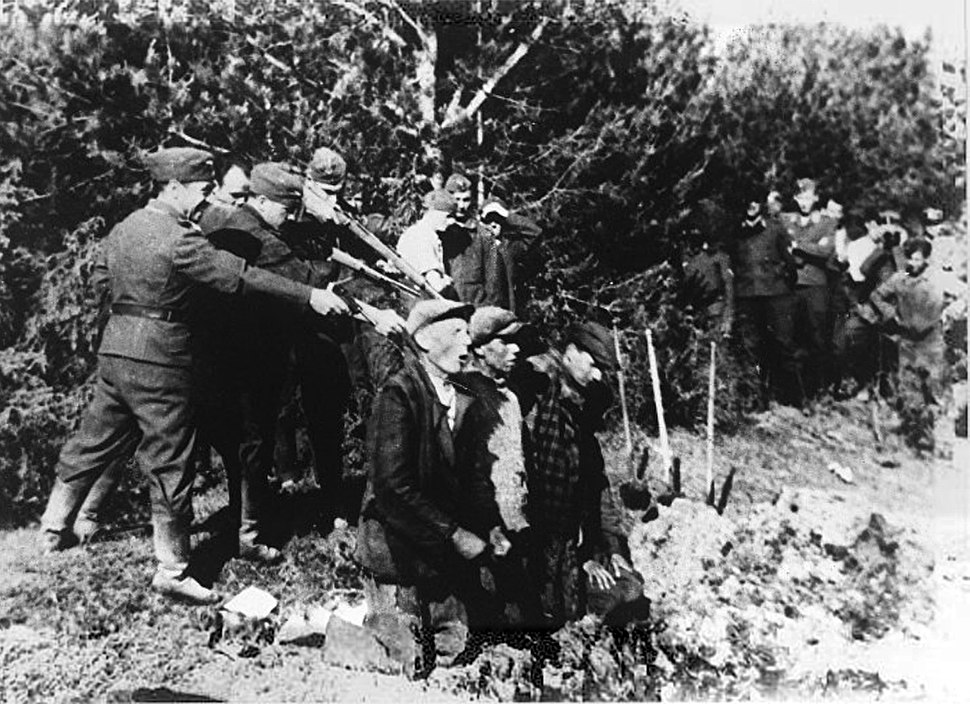 Einsatzgruppen or their auxiliaries - Kovno 1942