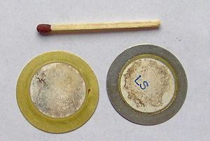 Piezoelectric sensor - Metal disks with piezo material, used in buzzers or as contact microphones