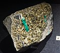 Emerald with pyrite - Cleveland Museum of Natural History - 2014-12-26 (21071598415).jpg
