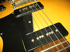 Gibson Les Paul Special - Image: Epiphone Les Paul Special SC (TV Yellow, Limited Edition) details