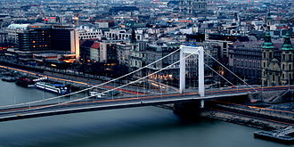 Elisabeth Bridge (Budapest) - Elisabeth Bridge and the Danube