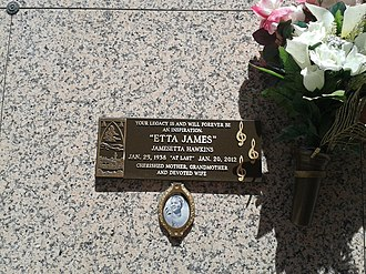 Etta James - James's tomb at Inglewood Park Cemetery