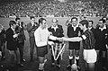 Europacupfinale te Madrid. Ajax tegen AC Milaan 1-4. Toss aan het begin van de w, Bestanddeelnr 922-4699.jpg