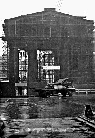 Euston Arch - The breakers moved in on 6 November 1961. This photograph was taken on a wet 12 February 1962. When the new 'Great Hall' had been completed in 1968 it was found that there was plenty of room after all.
