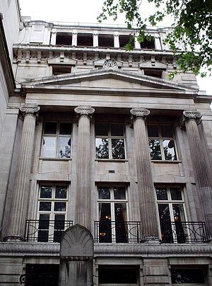 30 Euston Square - Melton Street front showing Ionic columns