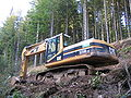 Excavator CAT 325B LN 8655.jpg