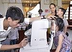 Eye screening for kindergarten children in Quoc Oai district of Hanoi (14124198399).jpg