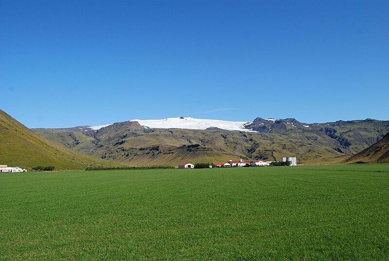 File:Eyjafjallajökull Glacier - 29.8.09.jpg
