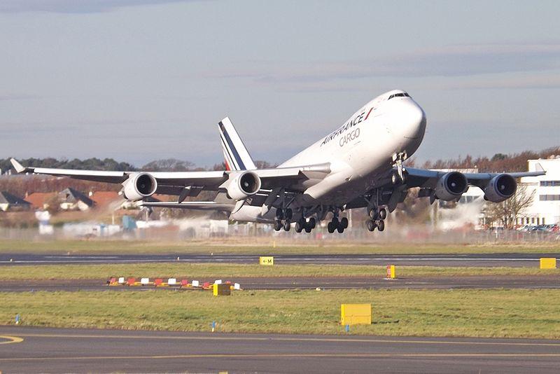 File:F-GIUA takeoff (8233300312).jpg