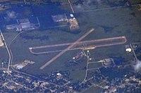 F99 HOLDENVILLE MUNICIPAL AIRPORT FLIGHT CDG-IAH 777 F-GSQM (10350666965).jpg