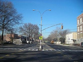 Francis Lewis Boulevard - Image: F Lewis Blvd Bayside