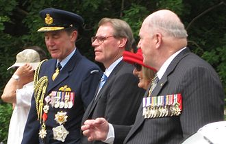 John Faulkner - Faulkner with Chief of the Defence Force Air Chief Marshal Angus Houston and former Chief of the Defence Force Peter Cosgrove in 2009.