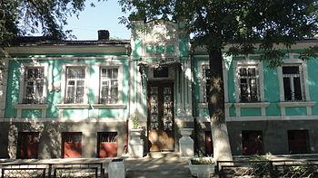 Feodosia, Korobkova st., 13, porch 1.JPG