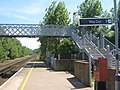 Footbridge in Selling Station - geograph.org.uk - 1370383.jpg