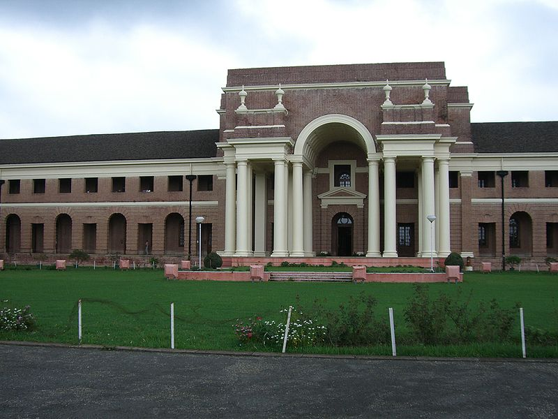 ਤਸਵੀਰ:Forest Research Institute, Dehradun.jpg
