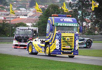Volkswagen Caminhões e Ônibus - A Constellation pace truck leading the field at the 2006 Curitiba round of the Brazilian Fórmula Truck championship
