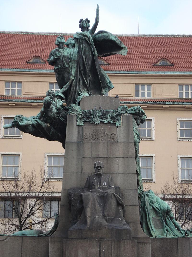 Frantisek Palacky monument.jpg